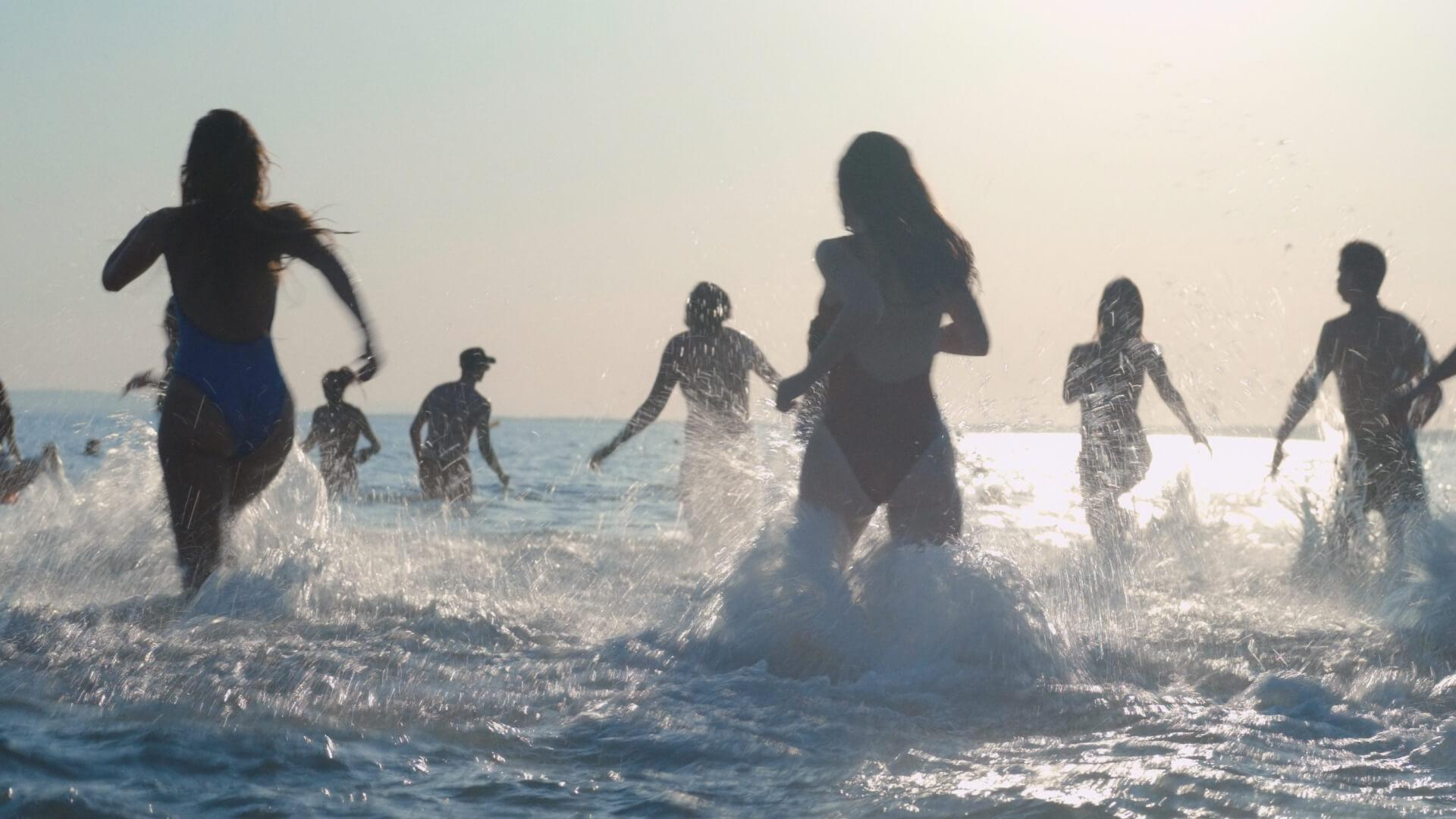 "Ausgelassener Spaß am Strand: ""Mektoub, My Love: Intermezzo"""